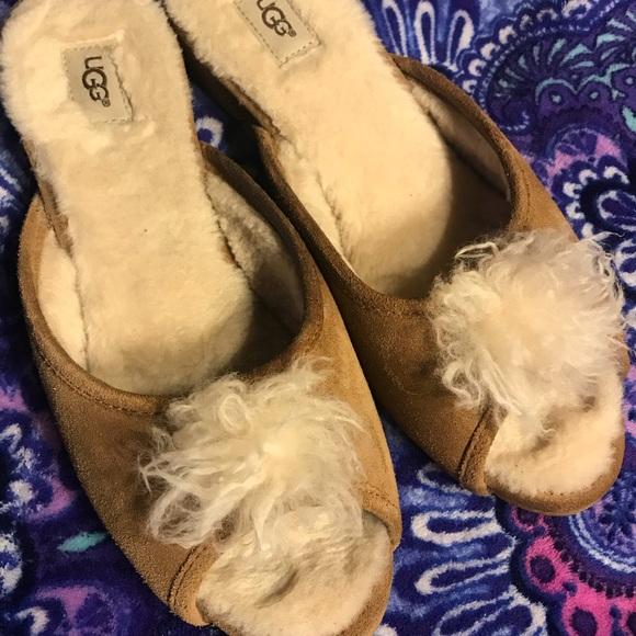 ffbf7cfbc5 UGG Shoes - Women s Ugg house shoes